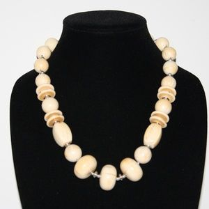 Vintage cream/ tan chunky necklace 20""